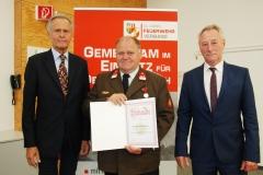 auszeichnung-von-verdienten-sprengbefugten-des-landesfeuerwehrkommandos-obersterreich-mit-der-verdienstmedaille-in-silber-am-12-juni-2018-in-linz_43433283334_o